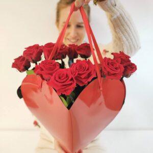 Ramo de 12 rosas rojas frescas